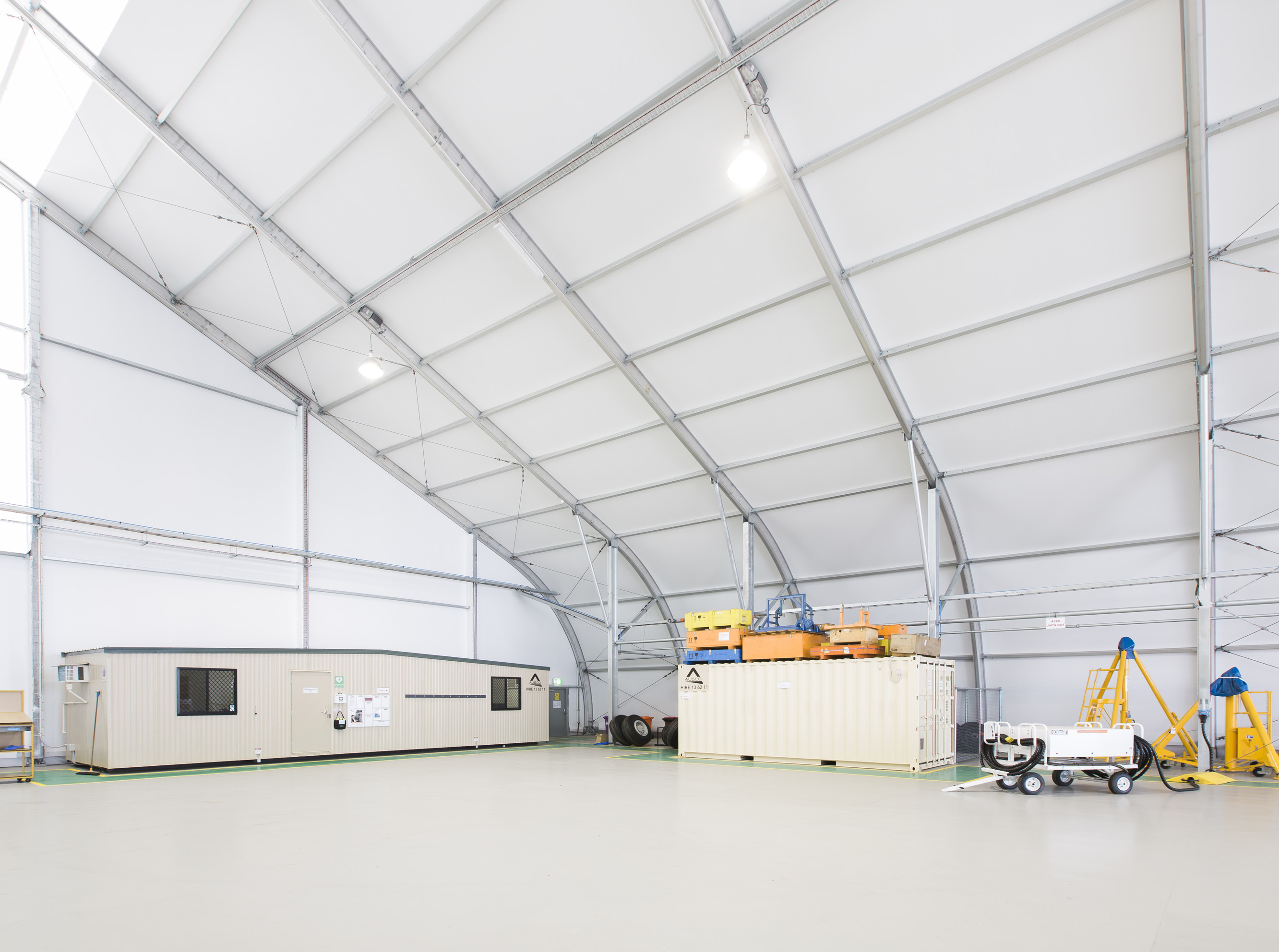 8189-virgin-hangar-pvc-2013-fs-4