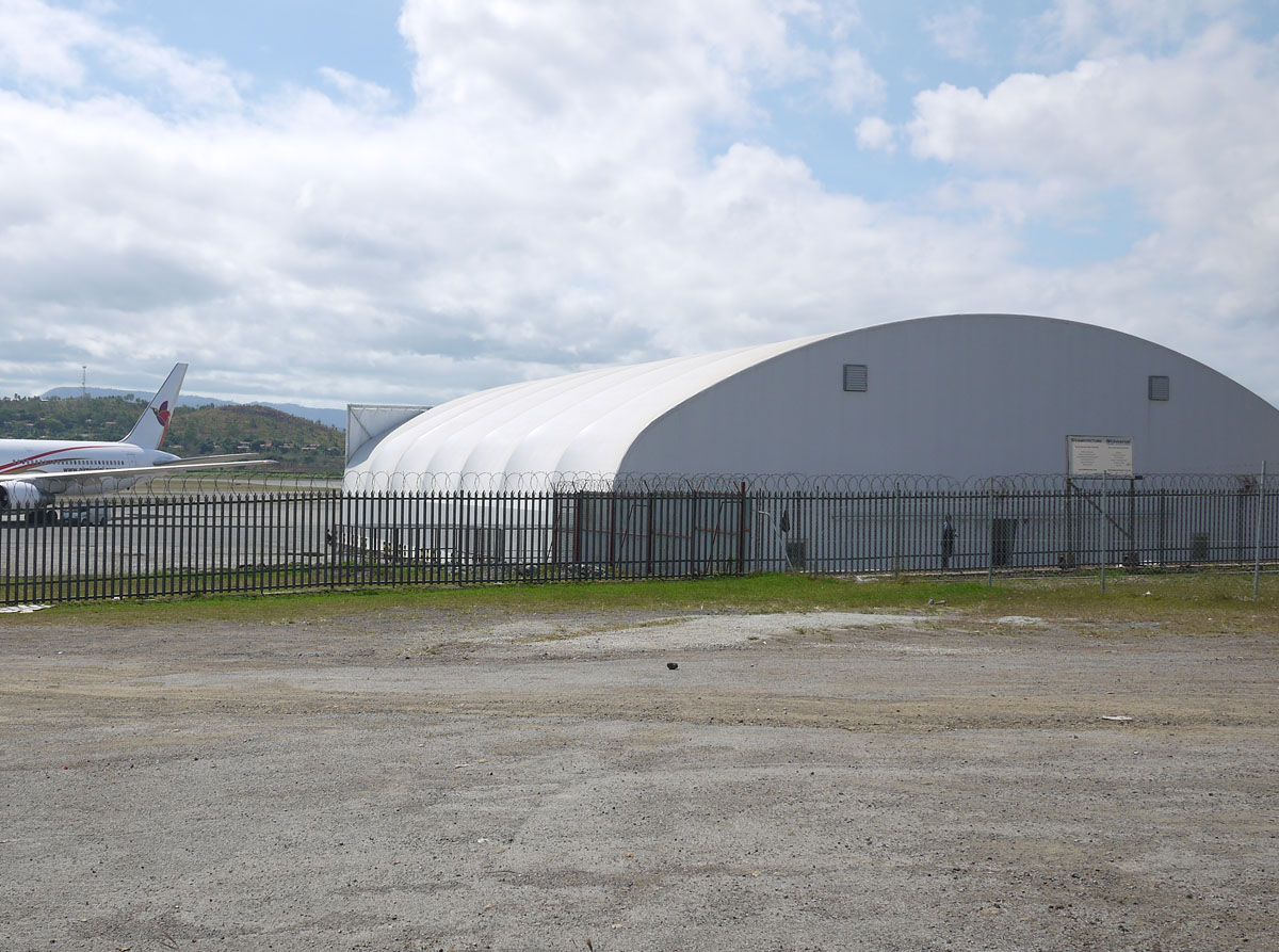 10181, Air Niugini Hangar, PVC, 2009, FS 4 lo res